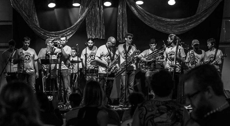 Actuación 40 Funk Brass Band – Viernes 21 de Julio a las 20:00 horas – Comienza en la Plaça del Castell (Vinalesa)